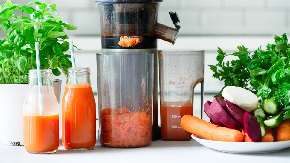 Read more about the article BEST JUICER MACHINE
